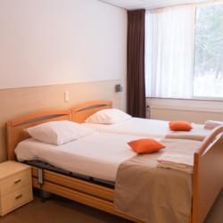 Die Zimmer im Gruppenhaus Fredeshiem in den Niederlanden.
