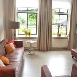 Das Wohnzimmer im niederländischen handicapgerechten Gruppenhaus ImminBrink.