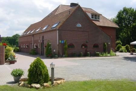 Die Außenansicht des Gruppenhauses Zwaluwnest in den Niederlanden.