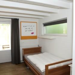 Ein Mehrbettzimmer des Jugendheims Haus Linde in den Niederlanden.