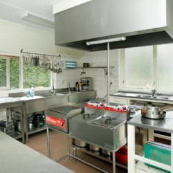 Küche im niederländischen Gruppenhaus Markestee