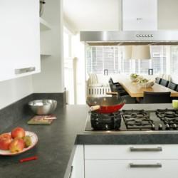 Der Küchenbereich des Gruppenhauses Linde Plus in den Niederlanden.