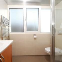 Die Sanitäranlagen in Haus im Gruppenhotel Ameland in den Niederlanden.