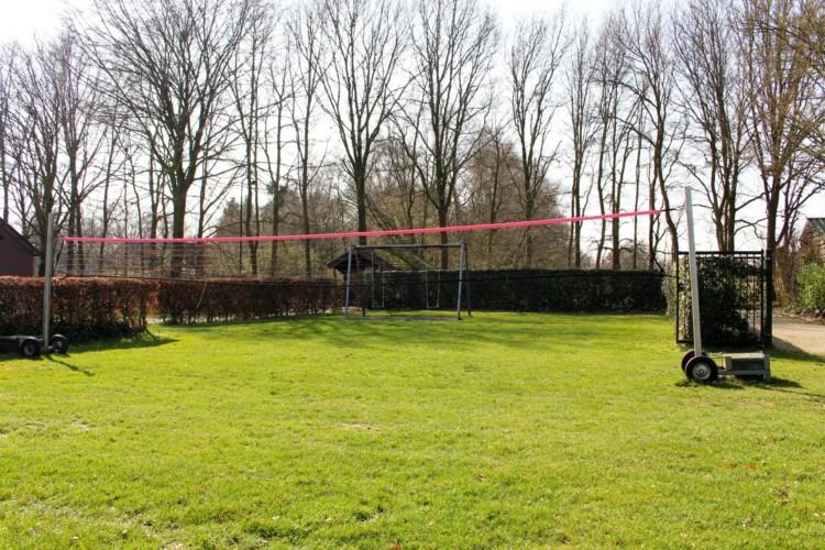 Der Volleyballplatz im niederländischen Freizeitheim Schop.