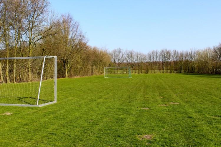 Der Fußballplatz im niederländischen Freizeitheim Schop.
