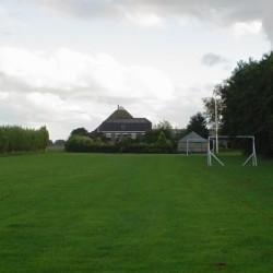 Der Außenbereich des niederländischen Freizeitheims Tjongerhus.