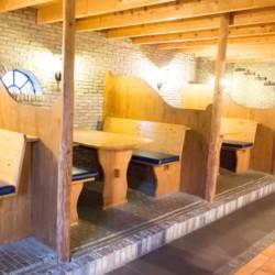 Der Speisesaal im niederländsichen Gruppenhaus Tjongerhus.