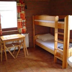 Ein Zimmer des niederländischen Freizeitheims Tjongerhus.