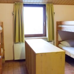 Das Gruppenhaus Tjongerhus in den Niederlanden und dessen Zimmer.