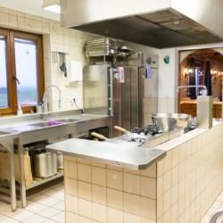 Die Küche im niederländischen Freizeitheim Tjongerhus.