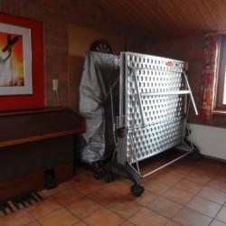 Tischtennis im Gruppenhaus Tjongerhus in den Niederlanden.
