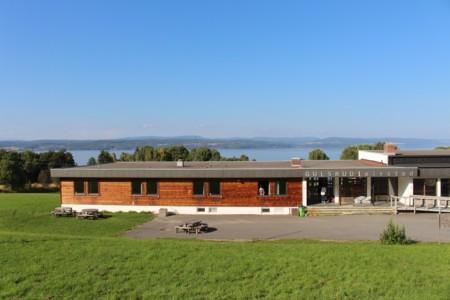 norwegisches Freizeitheim Gulsrud Leirsted direkt am See für Jugendfreizeiten