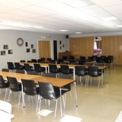 Der Speisesaal im norwegischen Gruppenhaus Kvinatun.