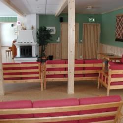 Ein Aufenthaltsraum im norwegischen Gruppenhaus Kvinatun.