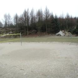 Volleyballplatz am norwegischen Freizeitheim Ognatun Ungdomssenter