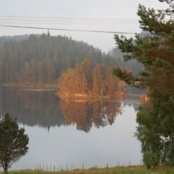 Die Morgenstimmung am Gruppenhaus Undeland in Norwegen.