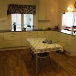 Die Küche im schwedischen Gruppenhaus Broddetorp.
