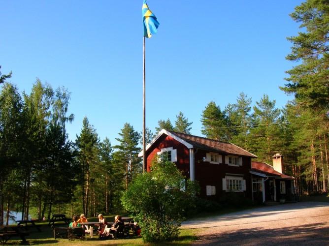 Das Haus Ensro Lägergård in Schweden.