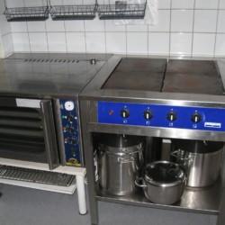 Die Küche im Gruppenhaus Ensro Lägergård in Schweden.