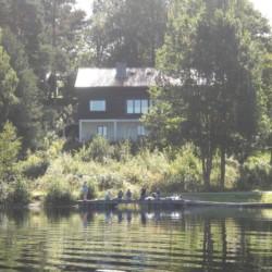 Das schwedische Freizeitheim für Kinder und Jugendreisen Greagarden am See.