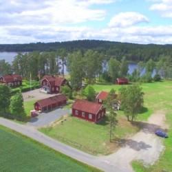 schwedischer Ferienhof Långserum Fritidsgård direkt am See