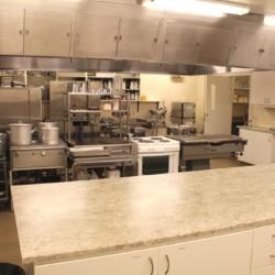 Der Küchenbereich in Ralingsåsgården in Schweden