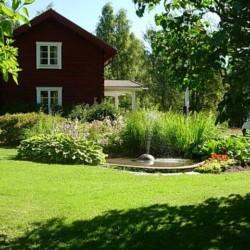 Garten vom schwedischen Gruppenhaus Skoglundsgarden für Jugendfreizeiten