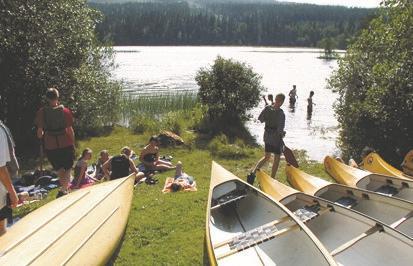Kanus am See vom schwedischen Ferienhof Skoglundsgarden für Jugendfreizeiten