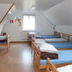 Ein Mehrbettzimmer im schwedischen Gruppenhaus Tygegården.