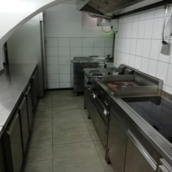 Profiküche im Freizeitheim für Kinder und Jugendliche in Slowenien