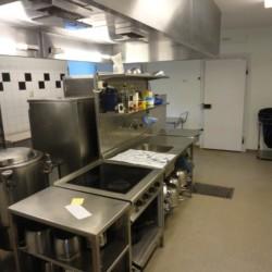 Profi-Küche im schwedischen Gruppenhaus direkt am See Östgötagården