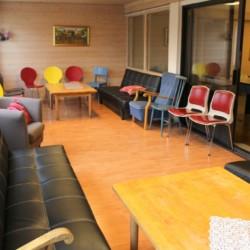 Ein Gruppenraum im Freizeithaus Skogstad in Norwegen.