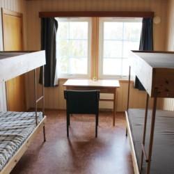 Ein Mehrbettzimmer im norwegischen Freizeitheim Skogstad.