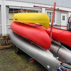 Die Kanus des Freizeithauses Skogstad in Norwegen.