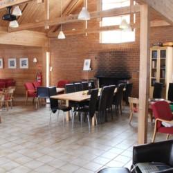 Gruppenraum im norwegischen Freizeitheim Vatnar Leirsted für Kinderfreizeiten