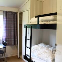 Etagenbetten im norwegischen Gruppenhaus Vatnar Leirsted