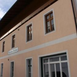 Das Gruppenhaus Waldhof in Österreich von außen.