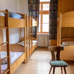 Ein Zimmer im österreichischen Gruppenhaus Waldhof.