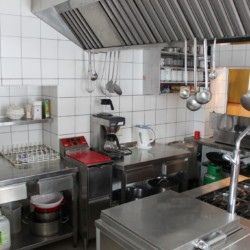 Die Küche im österreichischen Gruppenhaus Waldhof.