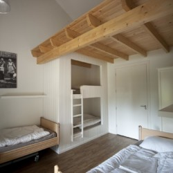 Schlafraum im barrierefreien Gruppenhaus für behinderte Menschen