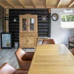 Gruppenraum vom Abenteuerdorf Wittgenstein mit Gruppenhaus Bachbett im Sauerland für Menschen mit Behinderung