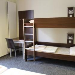 Vierbettzimmer im barrierefreien Gruppenhaus Jugendherberge Düsseldorf am Rhein für Menschen mit Behinderung