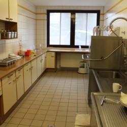 Der Küchenbereich im Freizeitheim Friedrich-Blecher-Haus in Deutschland.