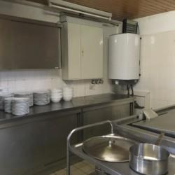 Die Küche im deutschen Gruppenheim Fuchsbau für Kinder und Jugendfreizeiten.