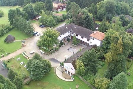 Das Gruppenhaus Heliand in Deutschland aus der Vogelperspektive.