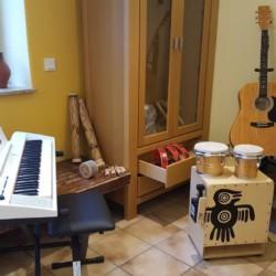 Ein Musikzimmer im deutschen Freizeitheim Heliand.