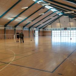 Die Turnhalle des Freizeitheims Frostruphave in Dänemark.