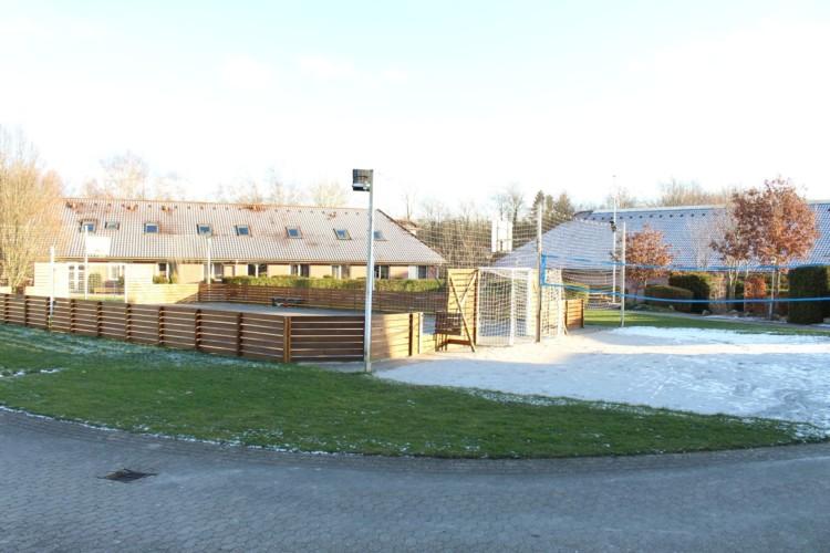 Das Außengelände am Freizeitheim Helsinge in Dänemark.