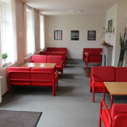 Ein Gruppenraum im dänischen Freizeithaus für Gruppen Hulemosegård.
