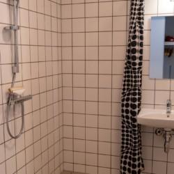 barrierefreies Sanitär im dänischen Gruppenhaus Rolandhytten